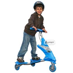 Porada - Prezenetacja carvingowej jazdy na dziecięcym modelu Trikke